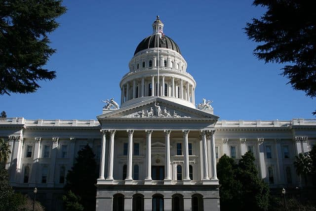 Support Assembly Bill 428